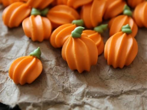 Royal Icing Pumpkins