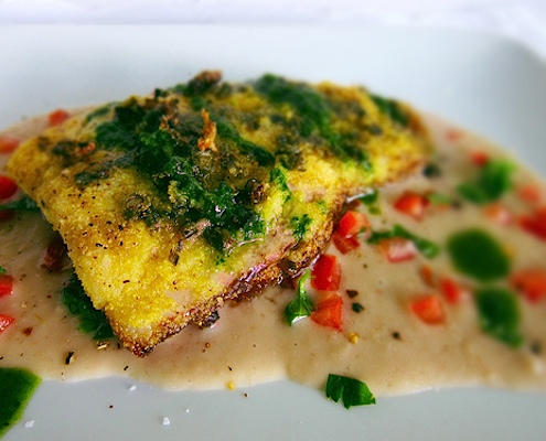 Polenta con Pesce fritto in crosta di capperi e olio di menta