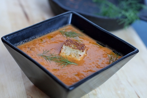 Zuppa di pomodoro arrosto e finocchio