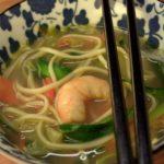 Voglia di Sol Levante: zuppa di noodles e gamberi