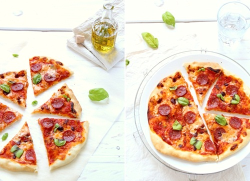 Pizza con stracchino e salame piccante